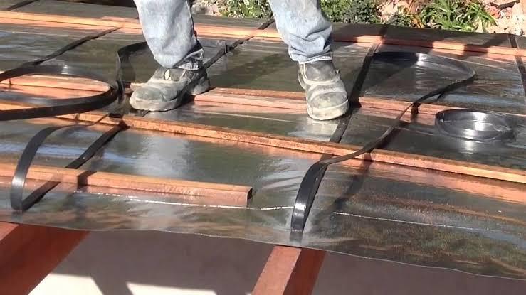A melhor manta térmica para telhado é capaz de fornecer isolamento térmico e acústico.