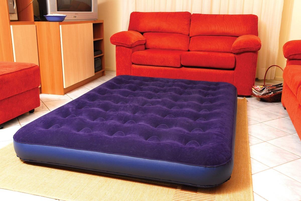 melhor colchão inflável na sala de estar
