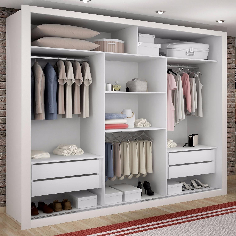 O melhor guarda roupa de casal deve fornecer boas divisórias e espaço interno.