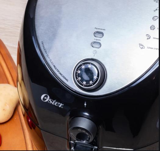A fritadeira Oster é boa porque tem bom desempenho e várias funcionalidades.