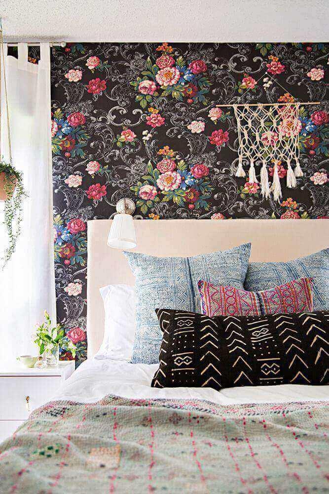 Quartos femininos com paredes pintadas