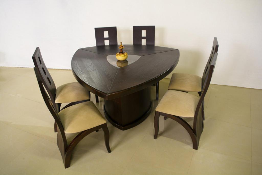 40 fotos de mesas triangulares or amento de obras for Comedor triangular