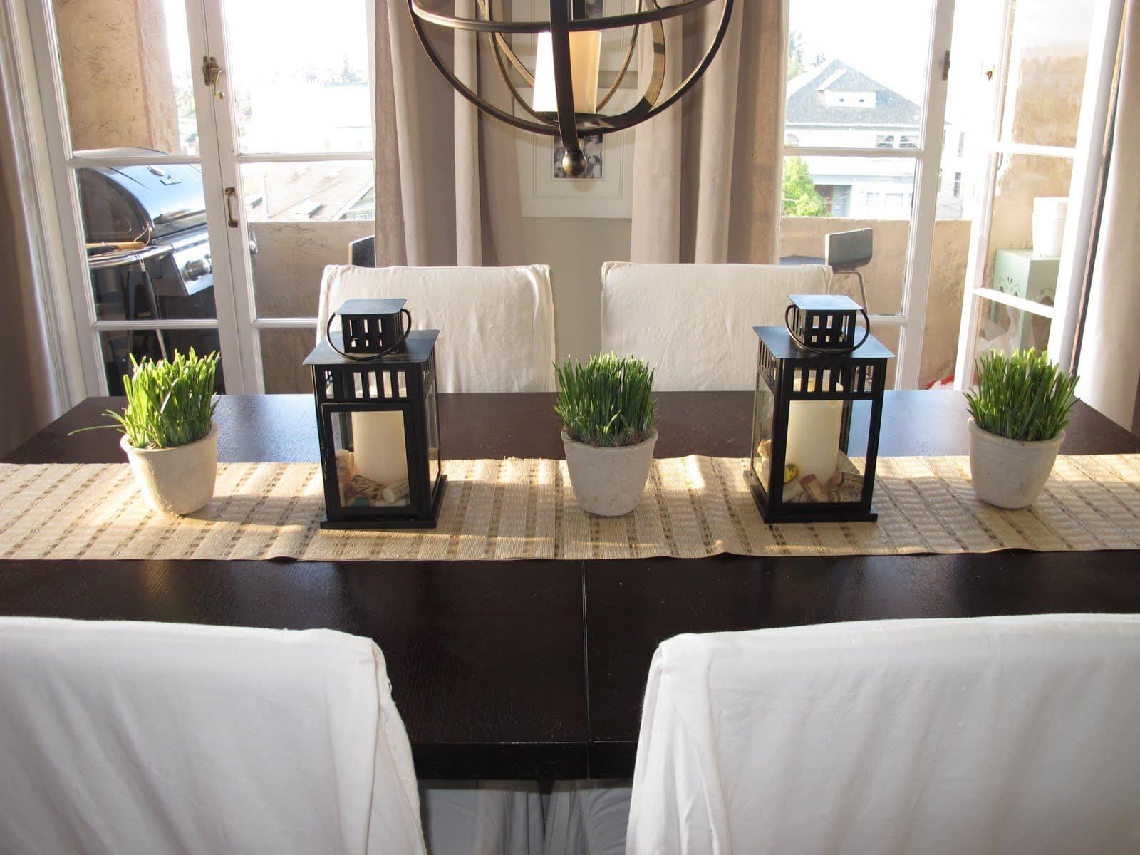 decorações sobre a mesa