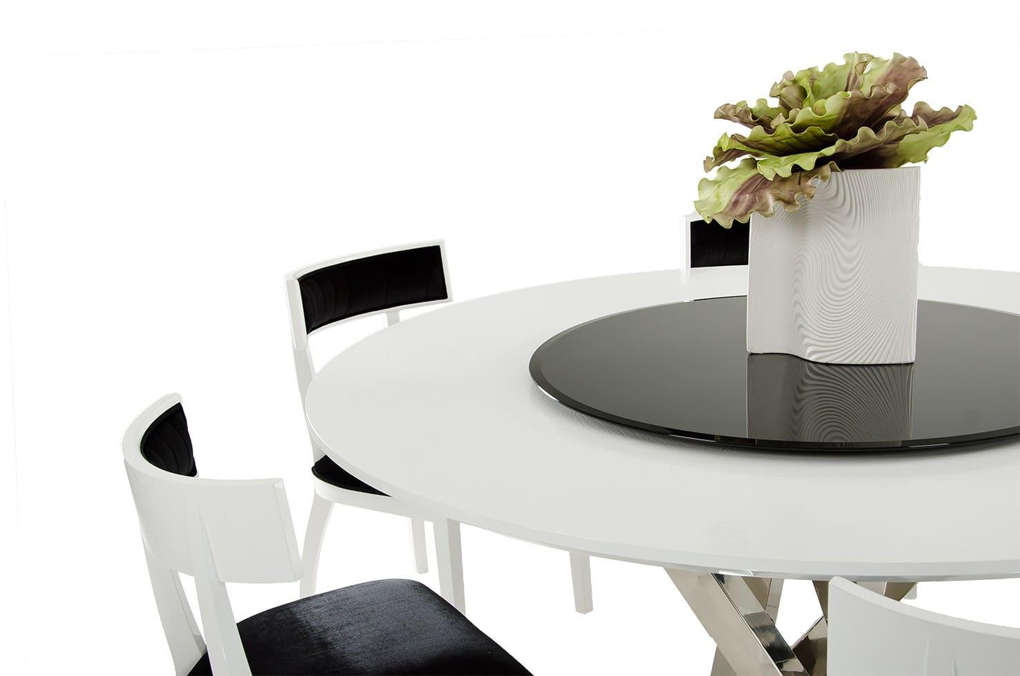 Mesa preta e branca