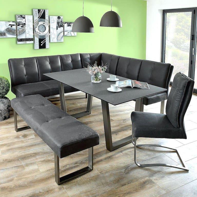 sala de jantar com sofá