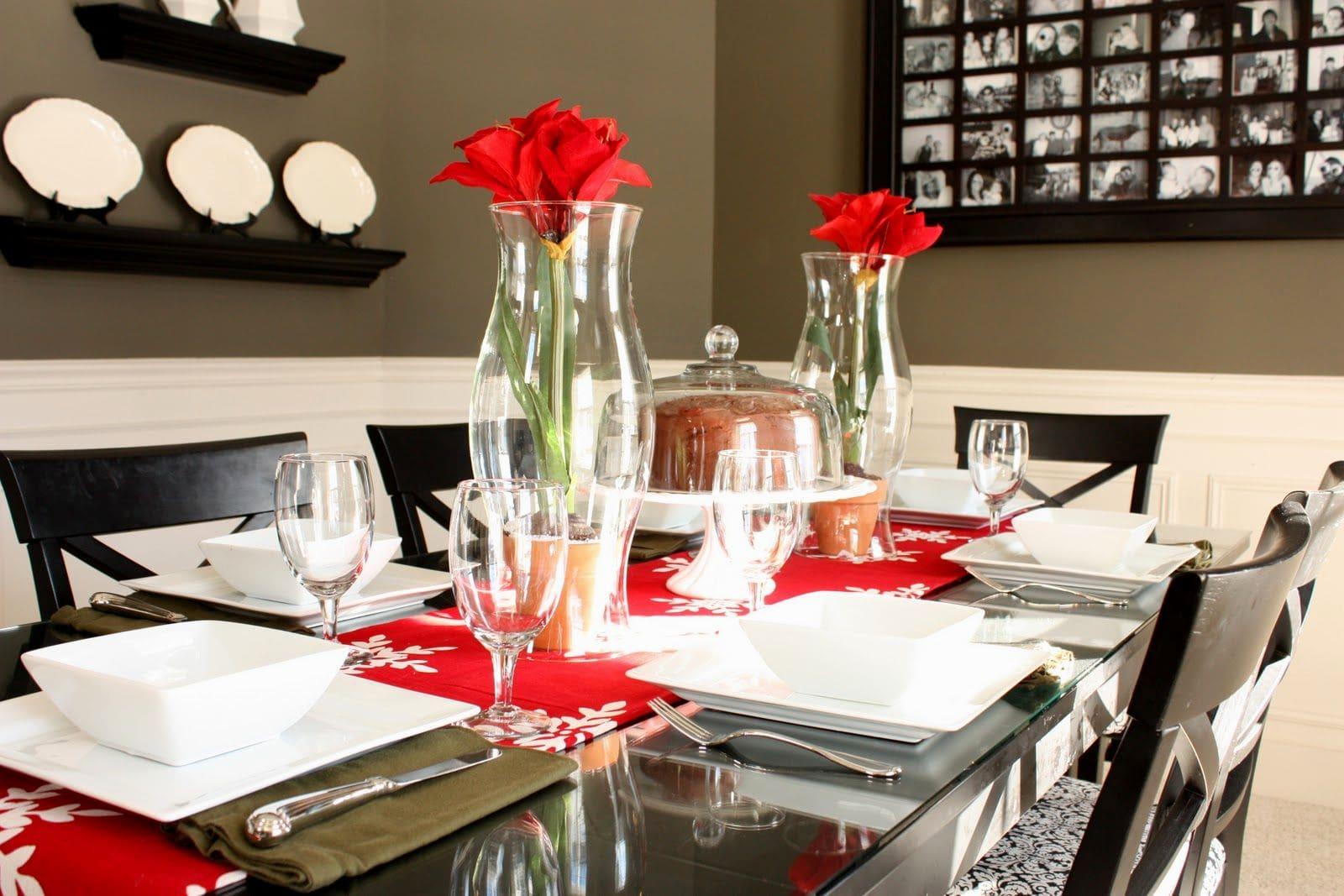 mesa de jantar bem arrumada