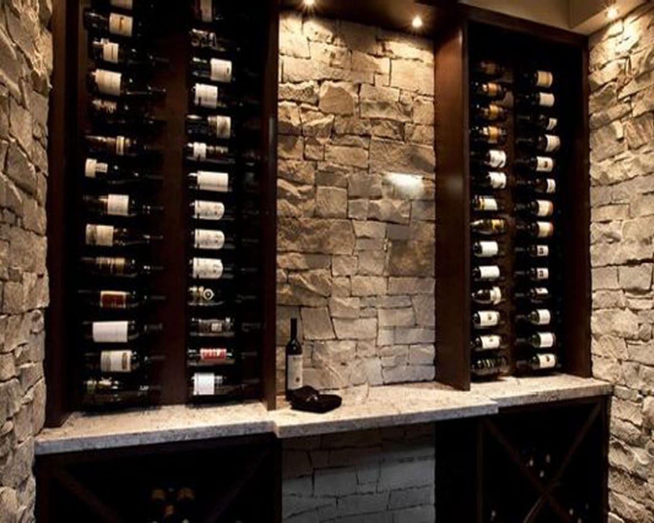parede de pedras e adega de vinhos