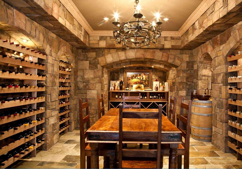 adega de vinhos em um castelo