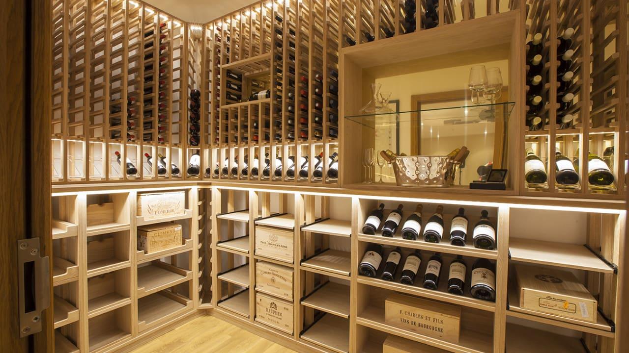 adega de vinhos profunda