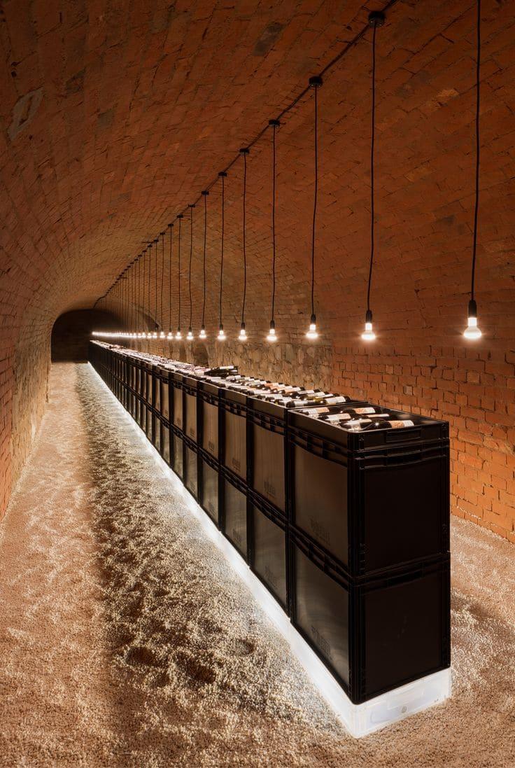 adega de vinhos em um túnel