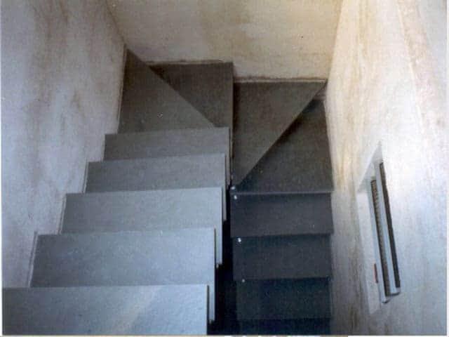 Resultado de imagem para Escada em U em concreto