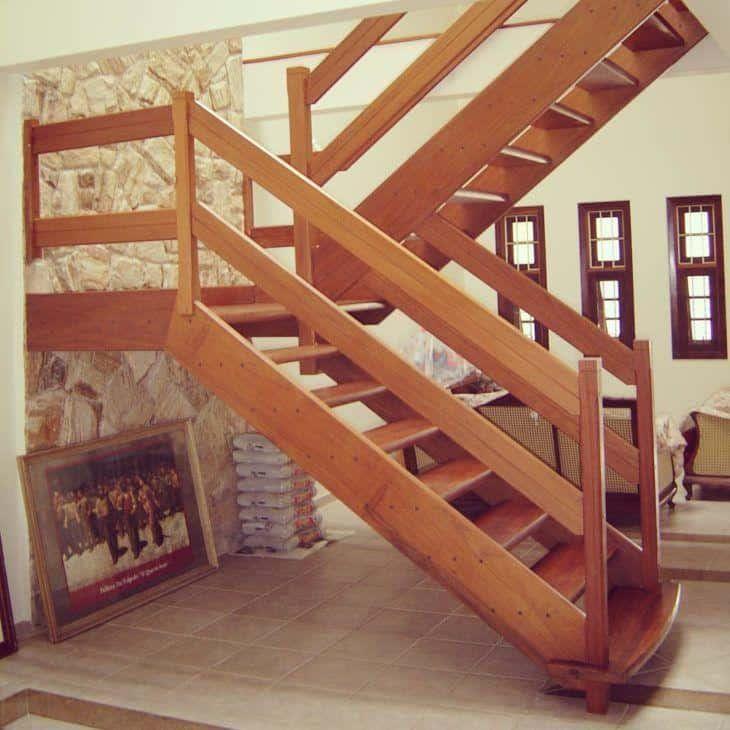 Resultado de imagem para Escada em U com madeira