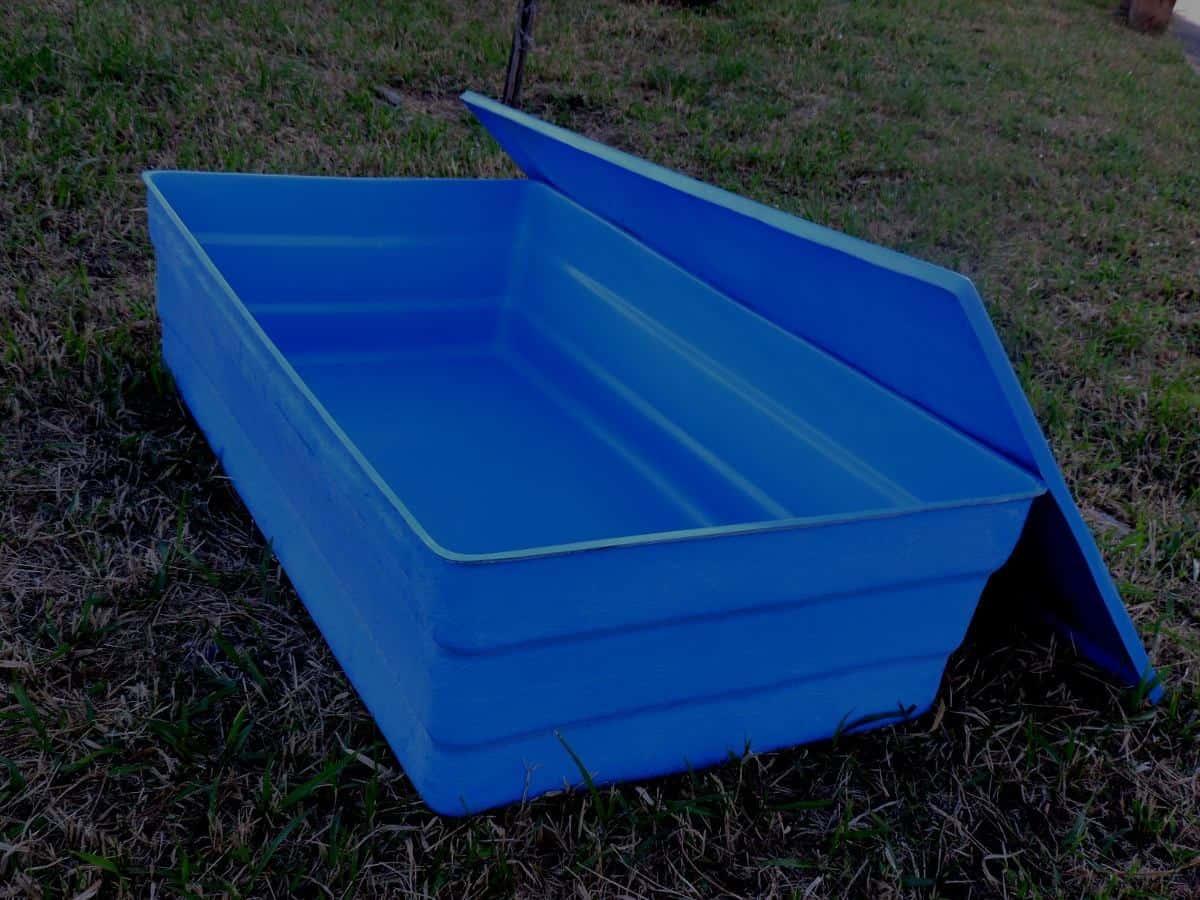 Para o cálculo da caixa d'água, pode-se seguir uma tabela.