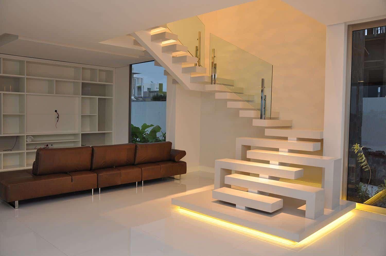 O Marmoglass no piso oferece brilho extremo, leveza, sensação de amplitude e iluminação.