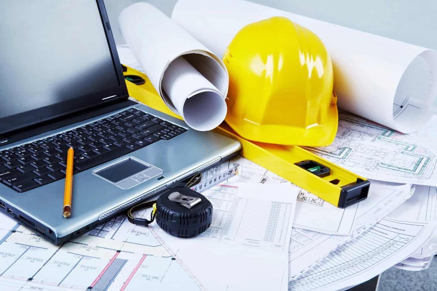 Existem normas de segurança no trabalho na construção civil que devem ser cumpridas.