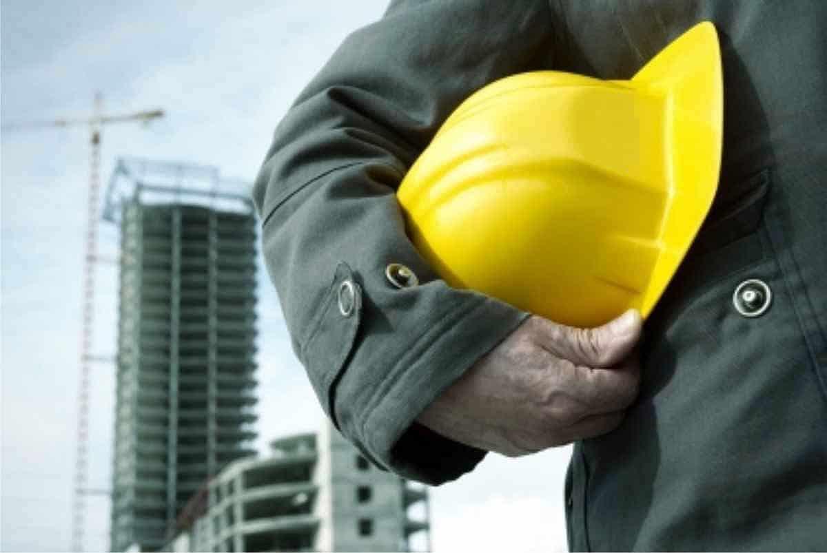 A segurança do trabalho na construção civil é extremamente importante para garantir a vida dos trabalhadores.