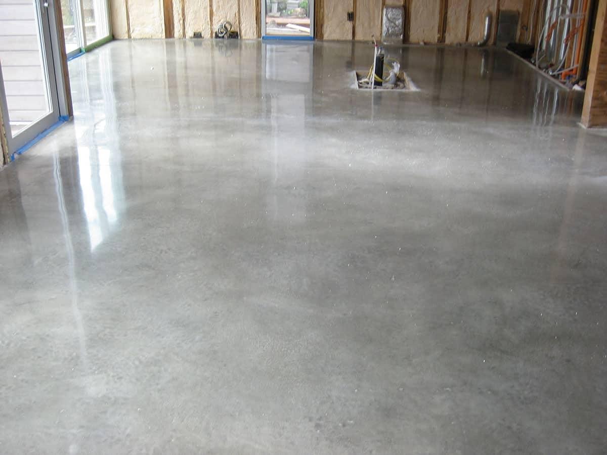 Pisos industriais de concreto polido.