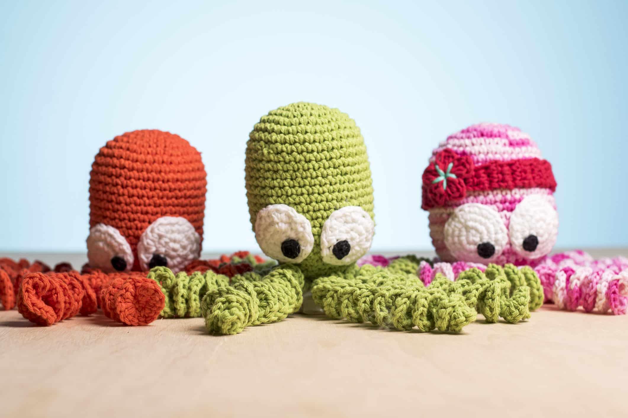 Inspire-se nos modelos abaixo para aprender como fazer polvo de crochê à sua maneira.