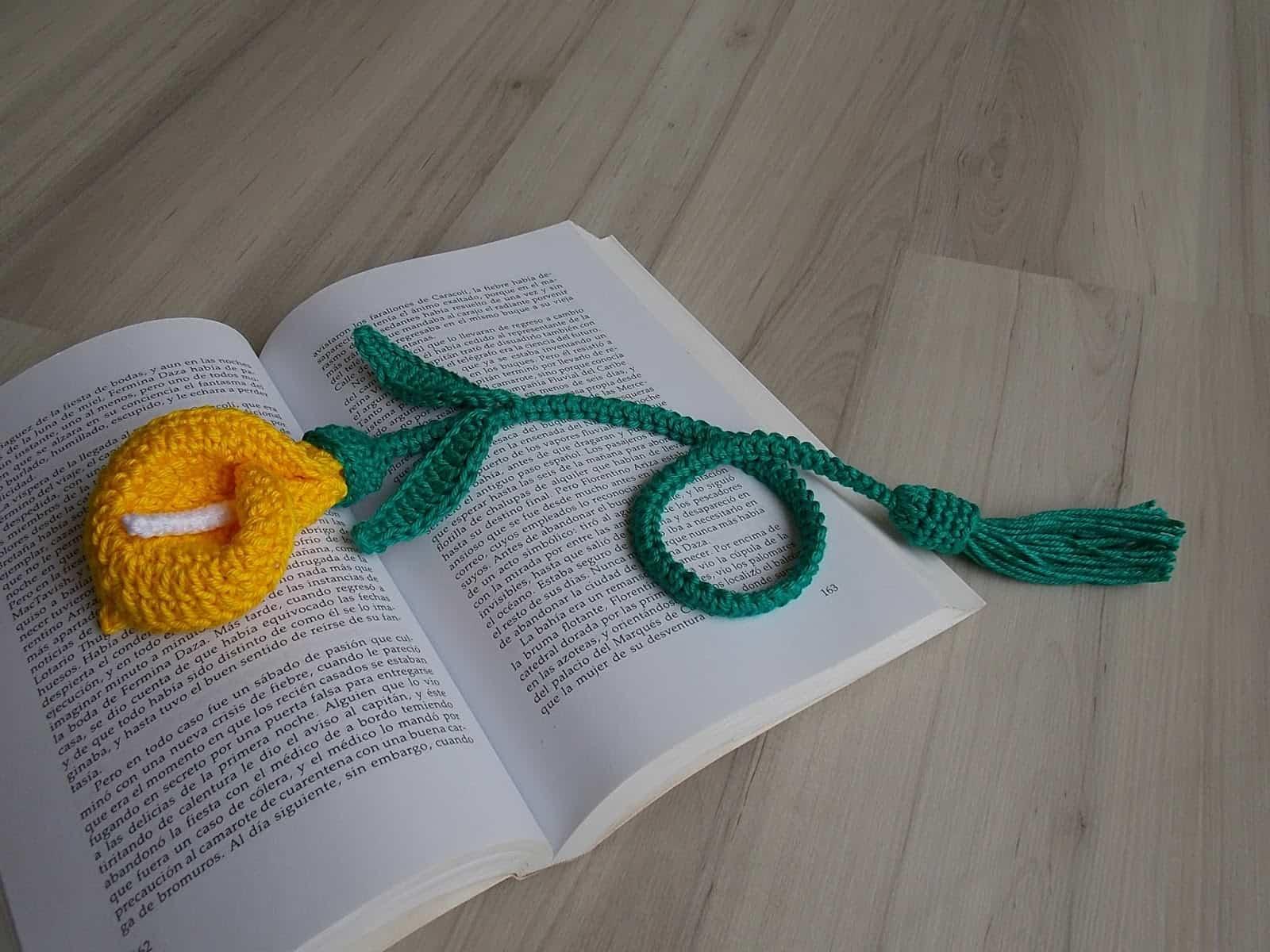 Como fazer flor de crochê: marcador de livros