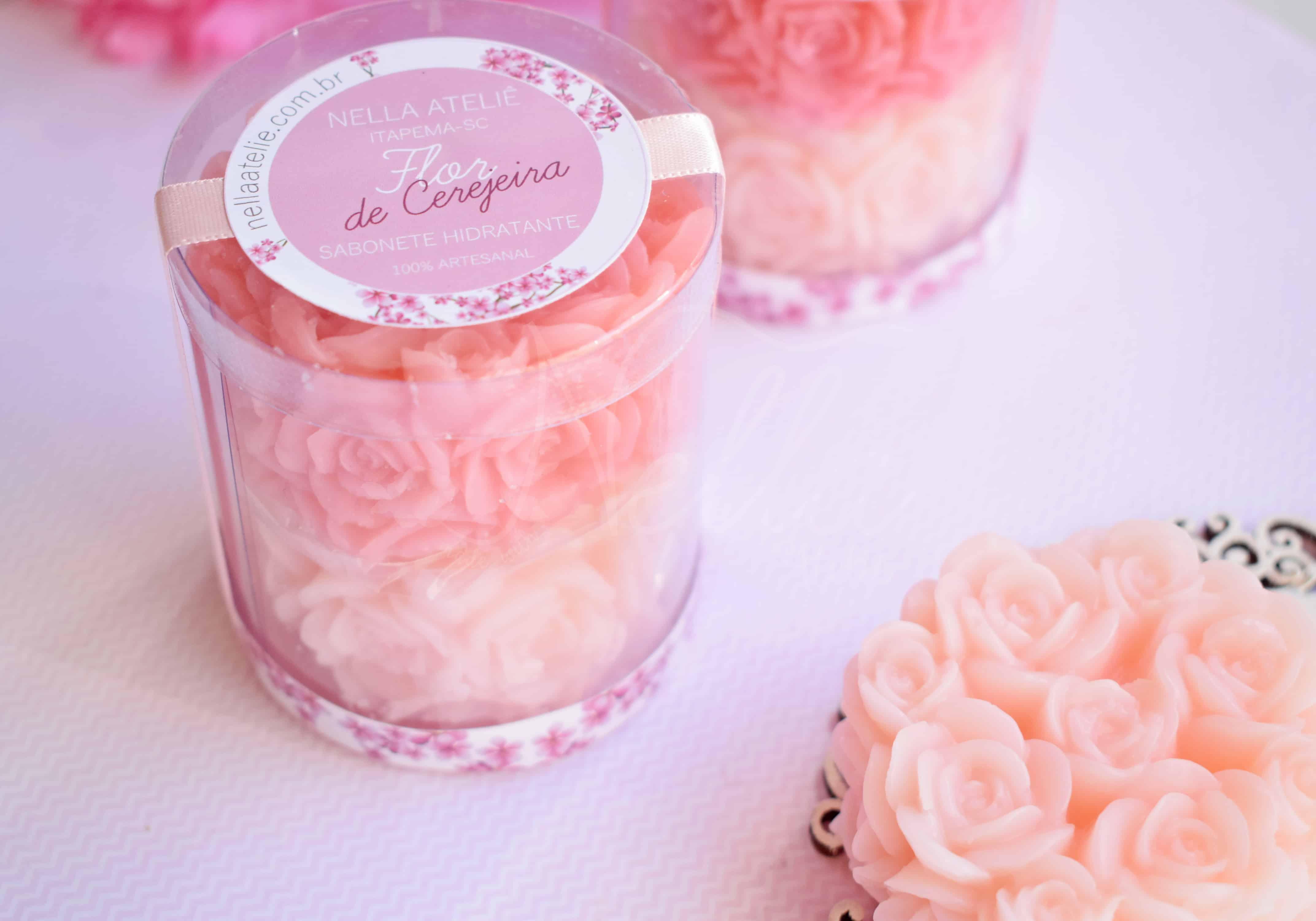 Se você aprender a fazer sabonete artesanal de flores vai garantir as vendas.