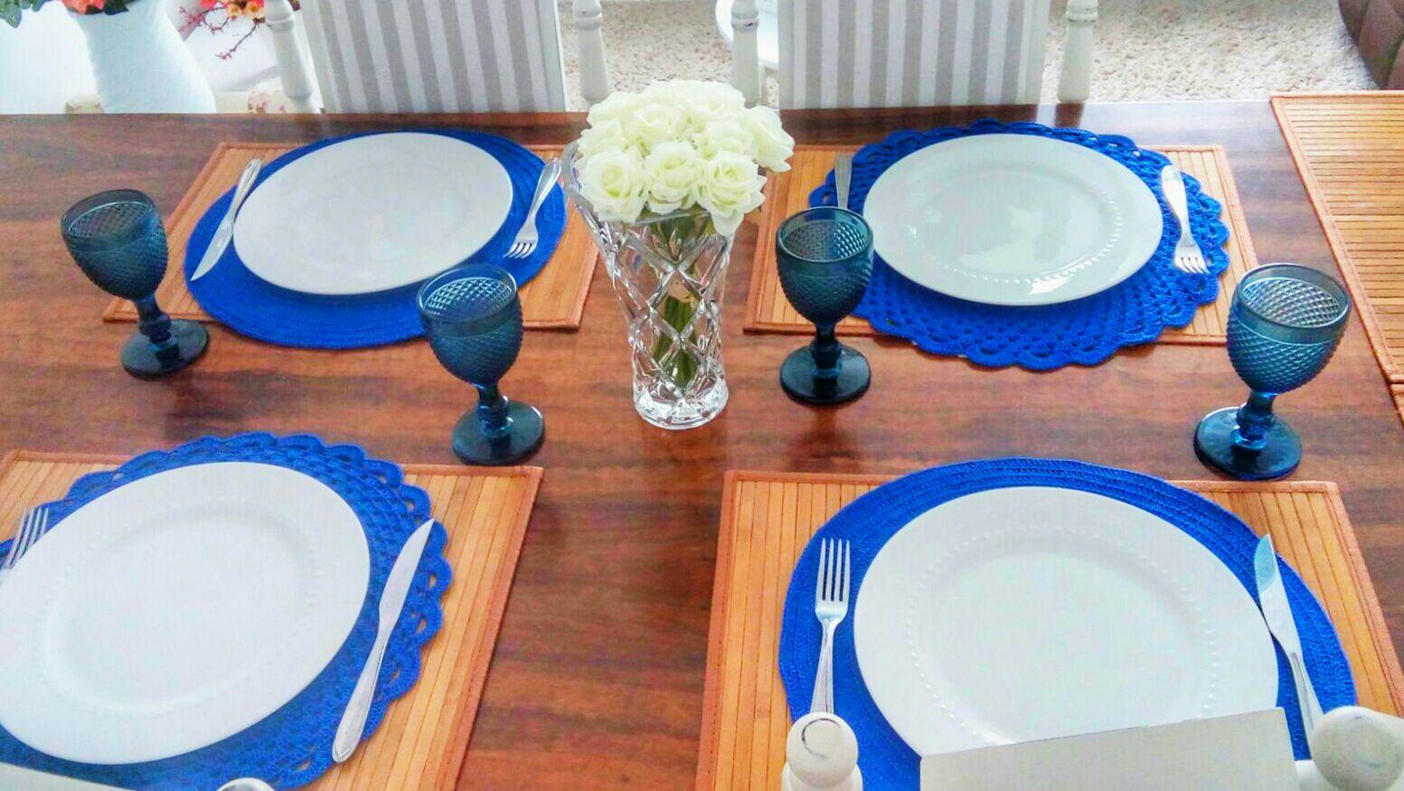 O sousplat deve ser usado em jantares de mais de uma prato.