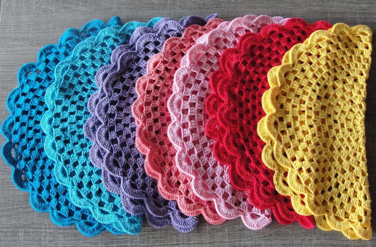 O sousplat de crochê é um item decorativo e funcional.