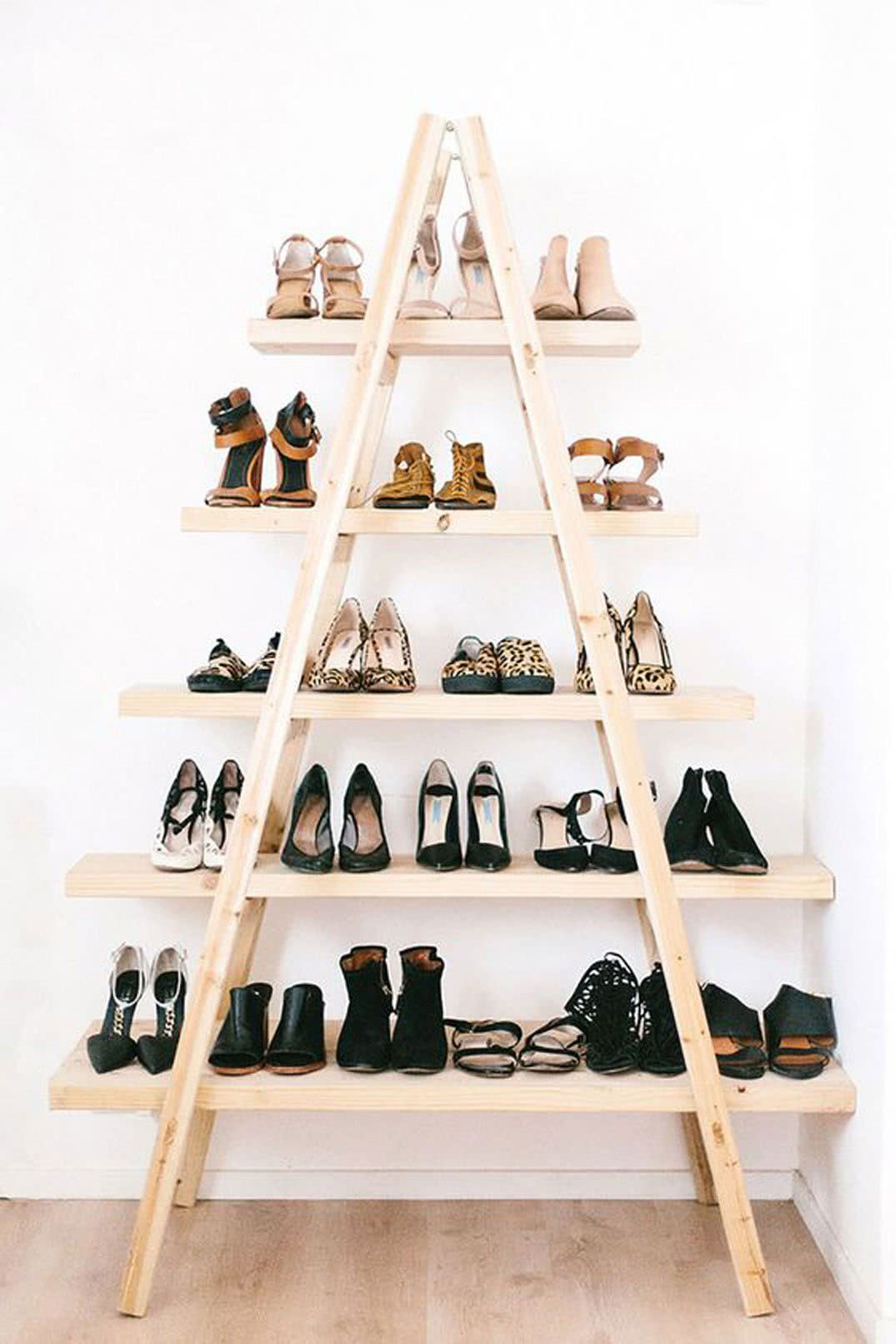 Como Organizar Sapatos com escada