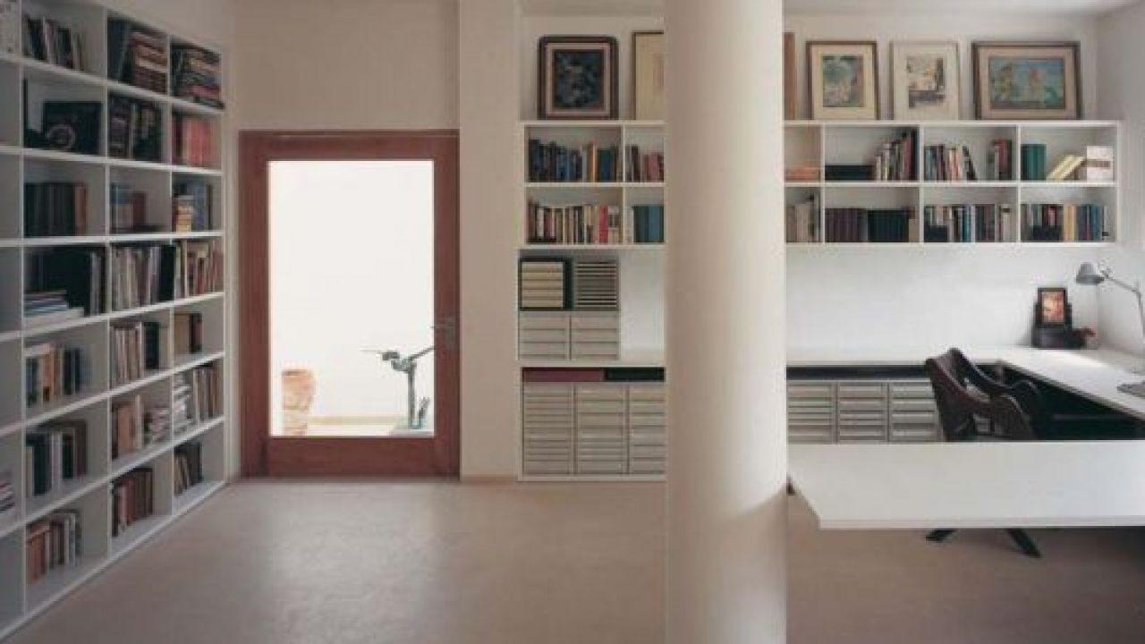 A biblioteca em casa deve ser mantida limpa e arejada.