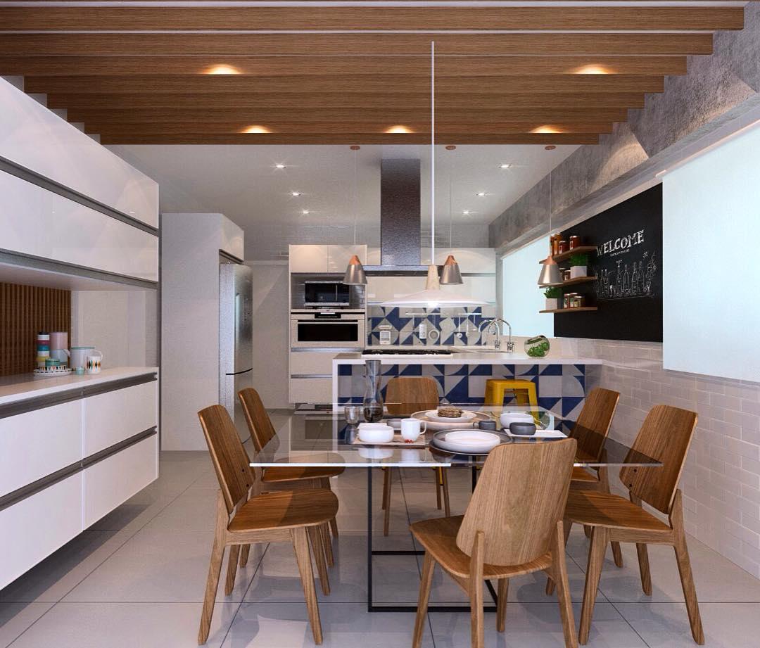 Mesa de vidro no meio da cozinha
