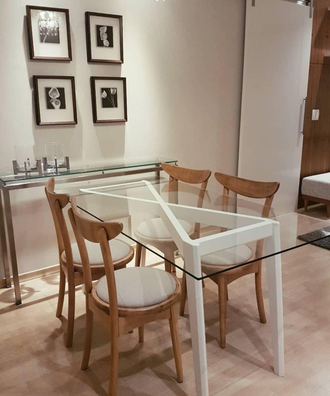 mesa com base diferente