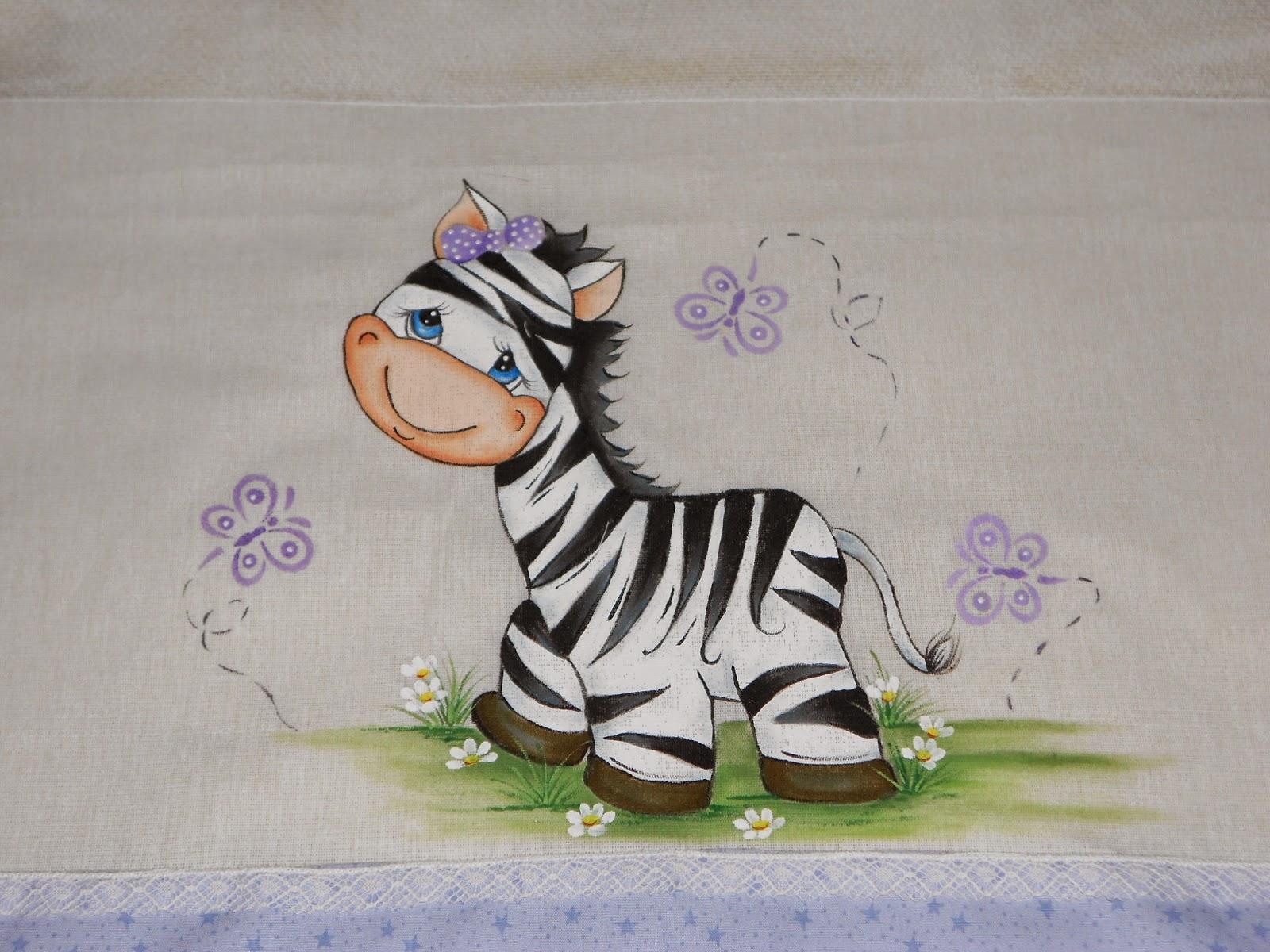 Pintura em tecido com motivos infantis