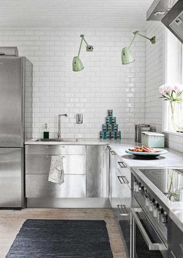Subway tiles branco na cozinha