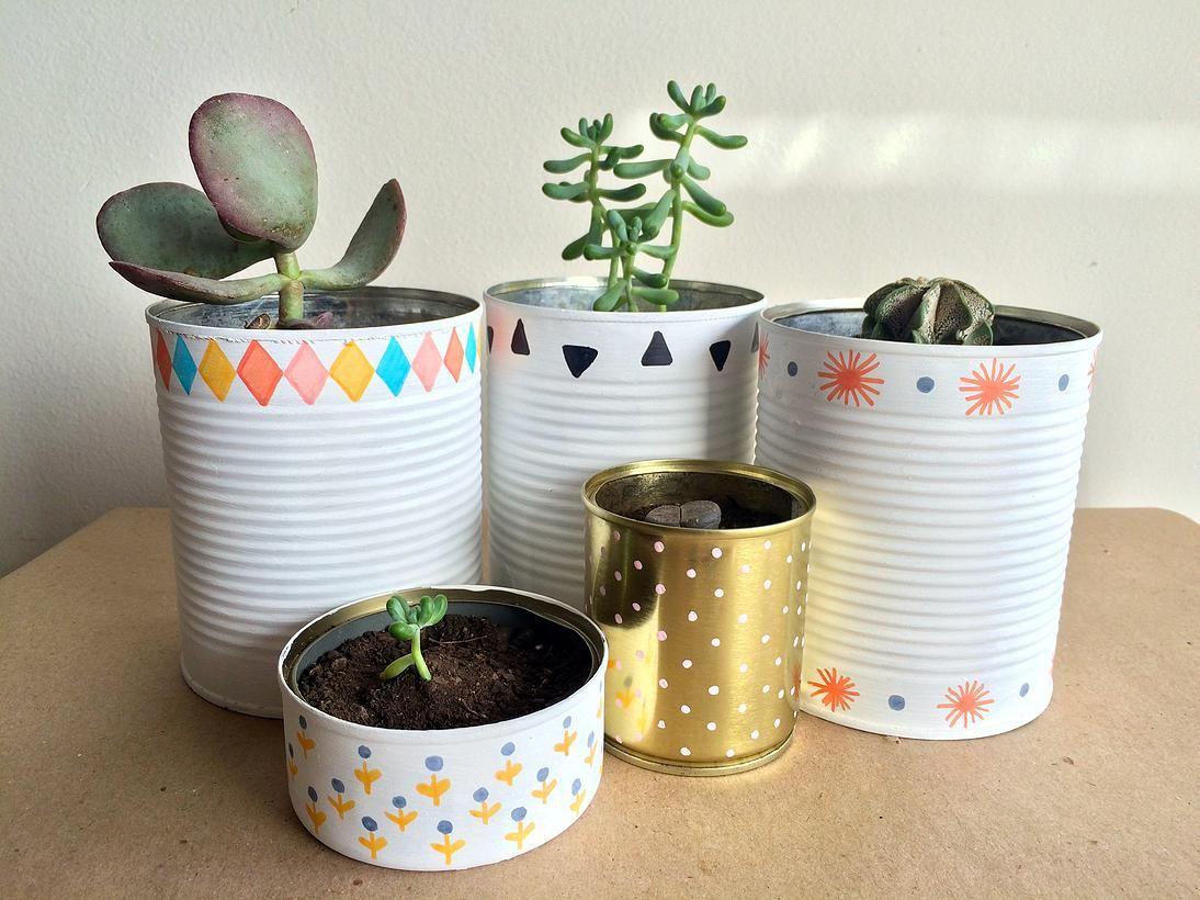 Vasos de latas recicladas