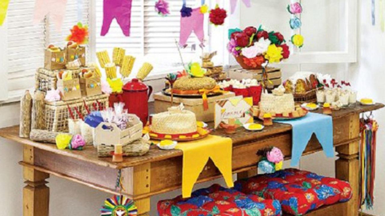 decoracao de festa infantil: mesa do bolo