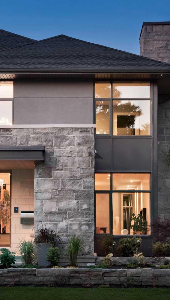 Pedra mineira na fachada da casa