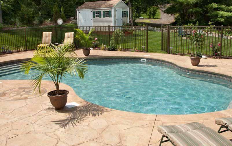 Pedra mineira na área da piscina