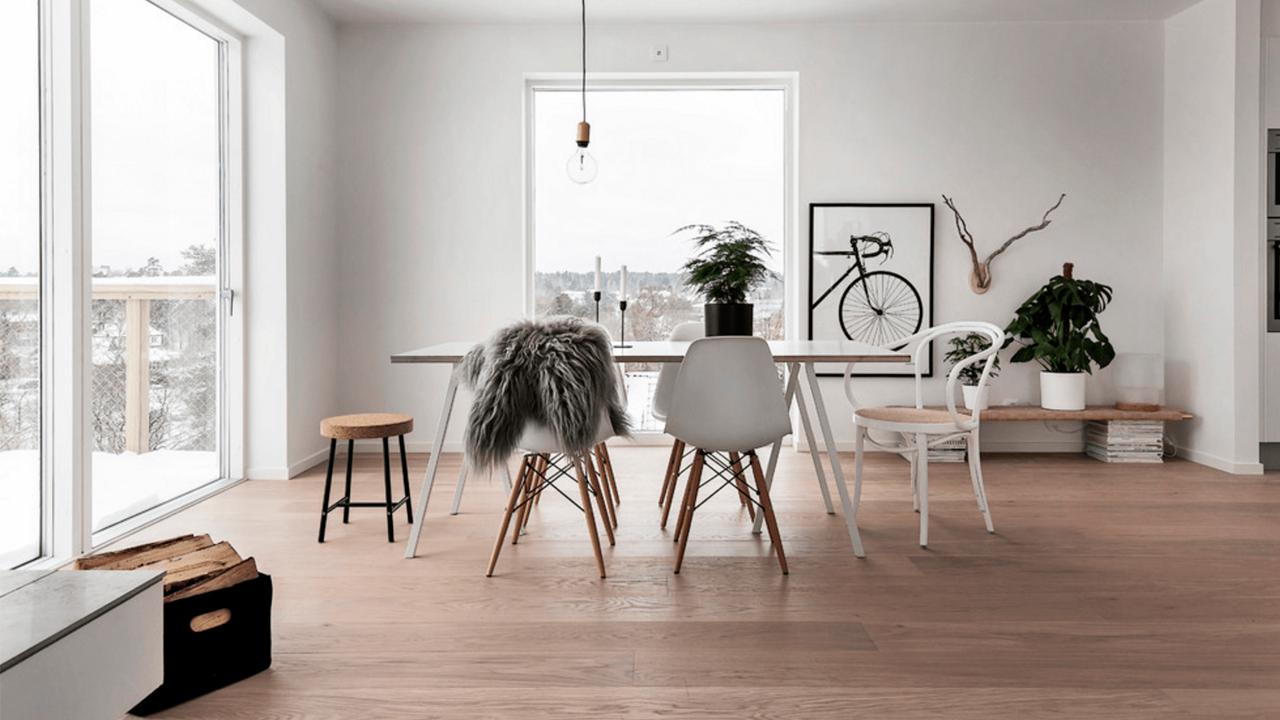 O estilo escandinavo prioriza o conceito minimalista, os espaços amplos e a iluminação natural.