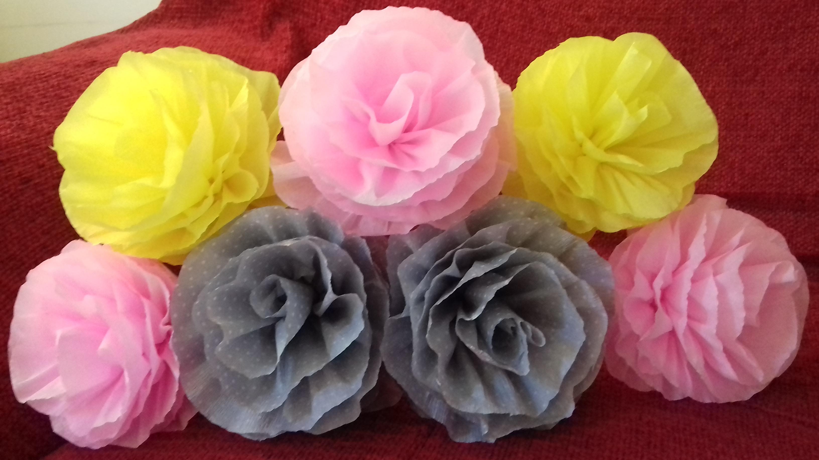 como fazer flor de papel crepom: materiais