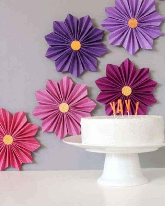 Painel de flor de papel crepom leque