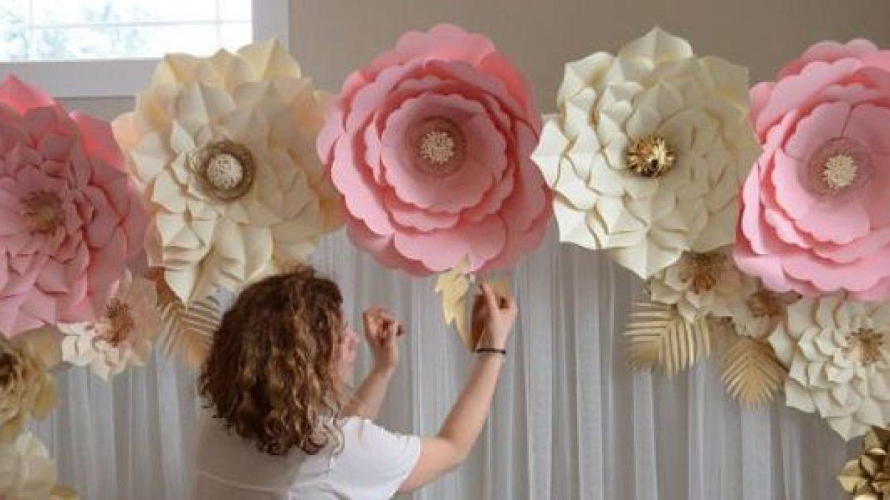 Arco de flor de papel crepom gigante