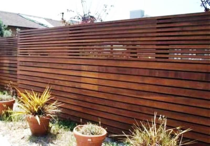 cerca madeira fachada