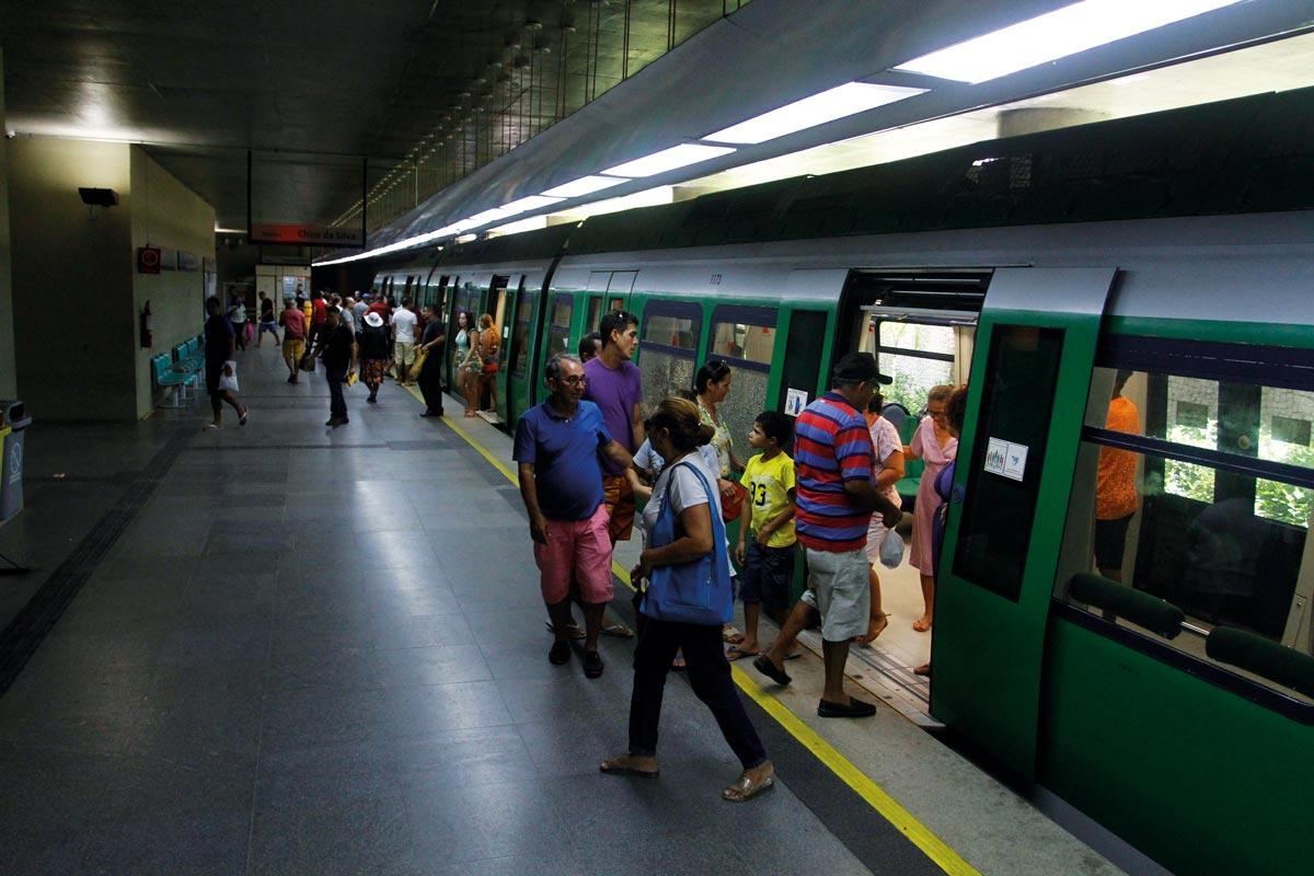 mobilidade urbana com linhas de metrô