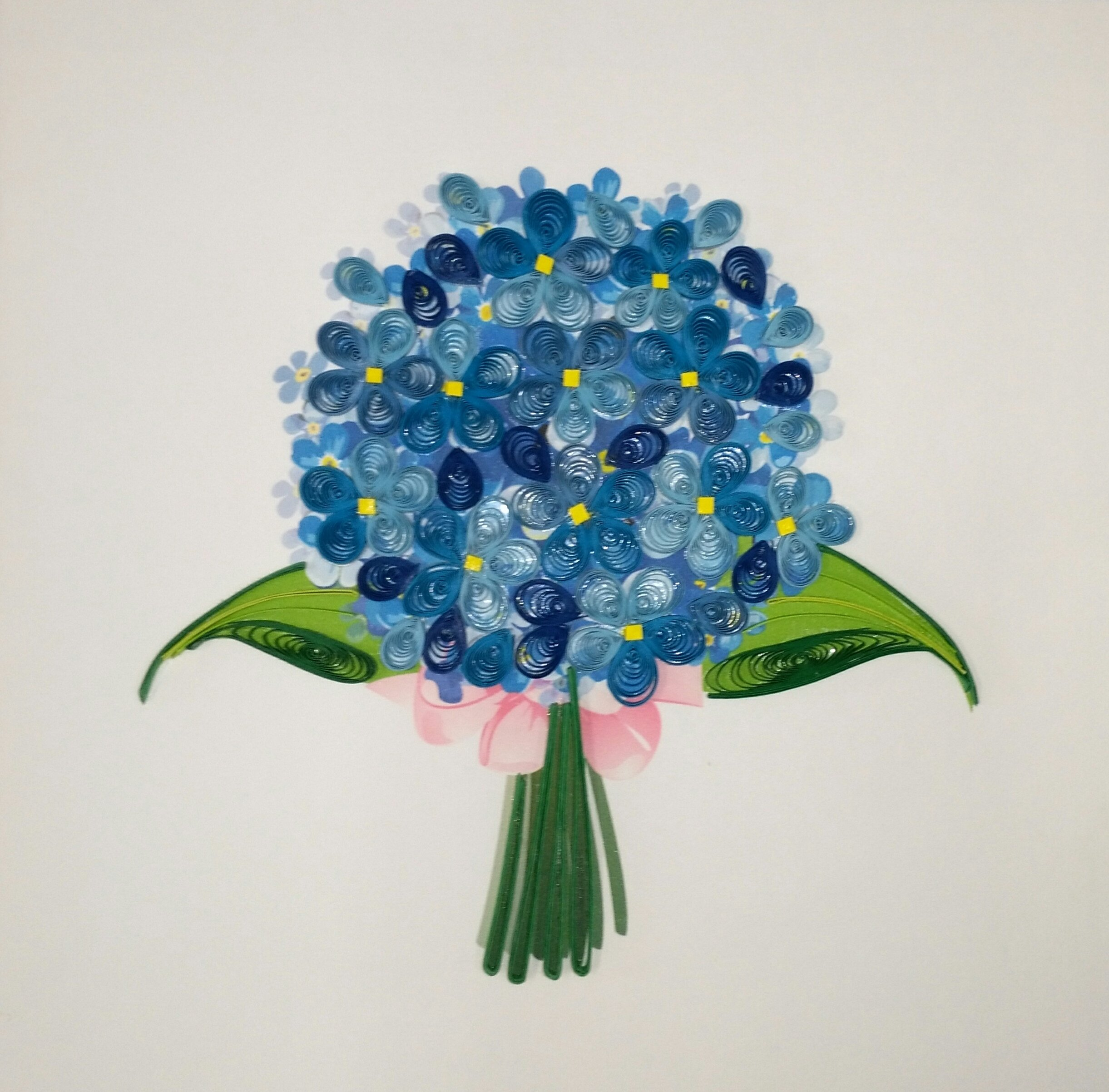 buquê de flores em quilling