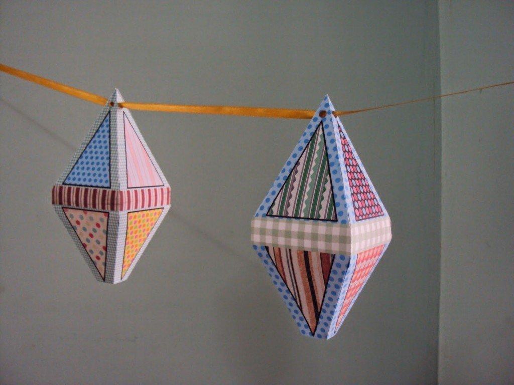 Balões de papel colorido estampado são lindos enfeites de festa junina.