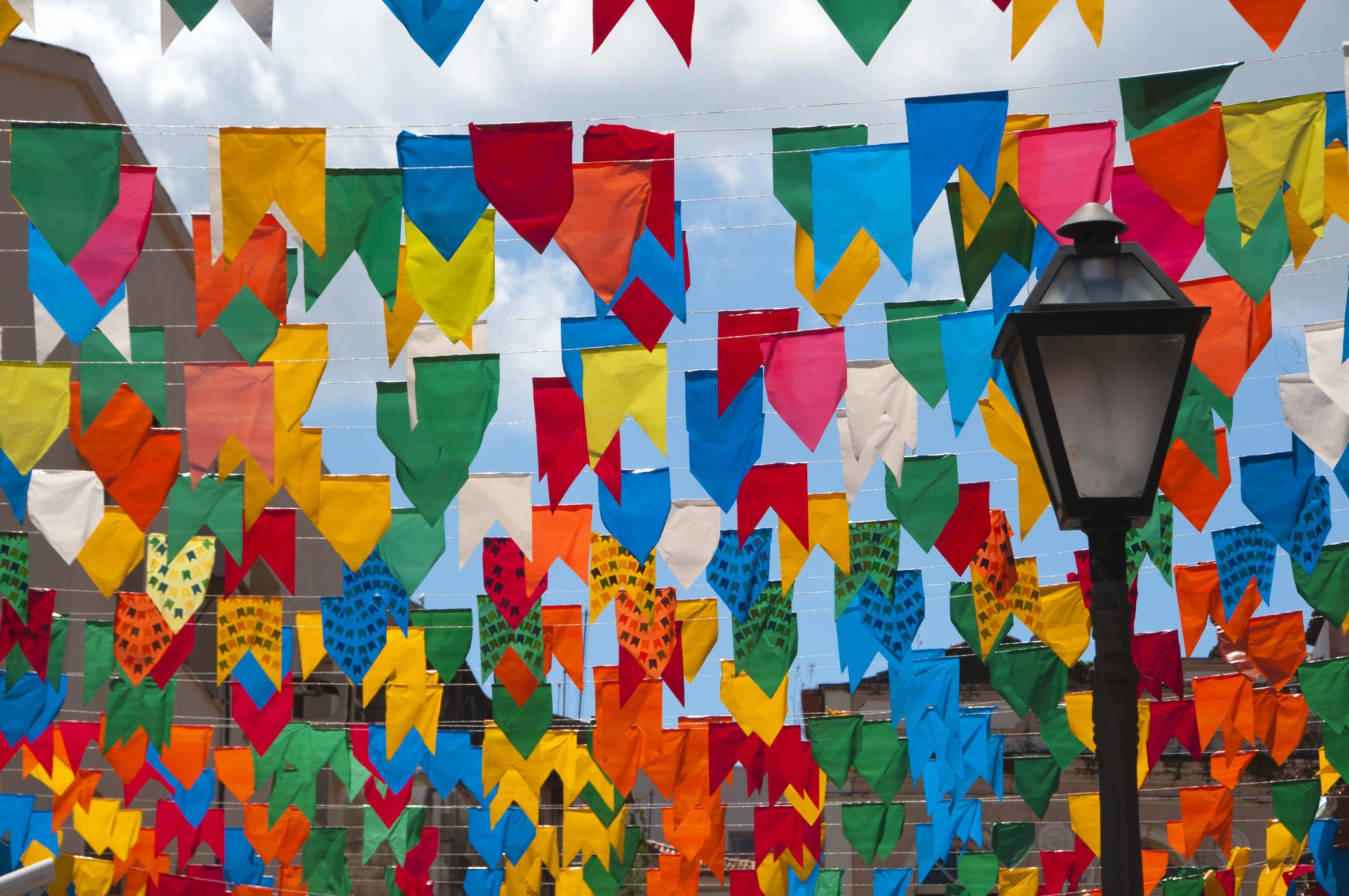 enfeites de festa junina - bandeirinhas