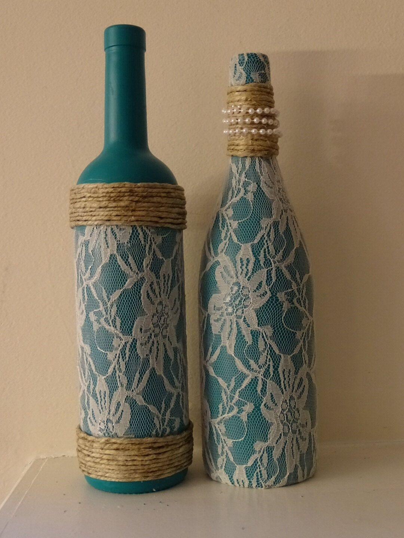 garrafas decoradas com renda azul
