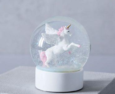 Globo de neve com unicornio