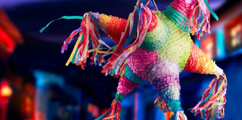 como fazer piñata capa