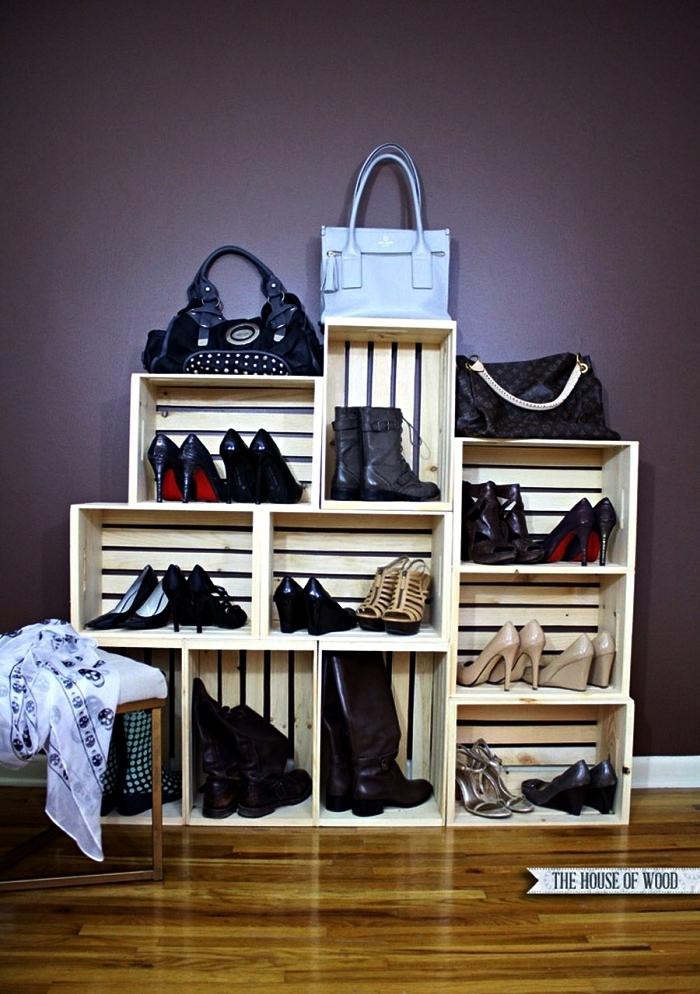 guarda roupa de caixotes