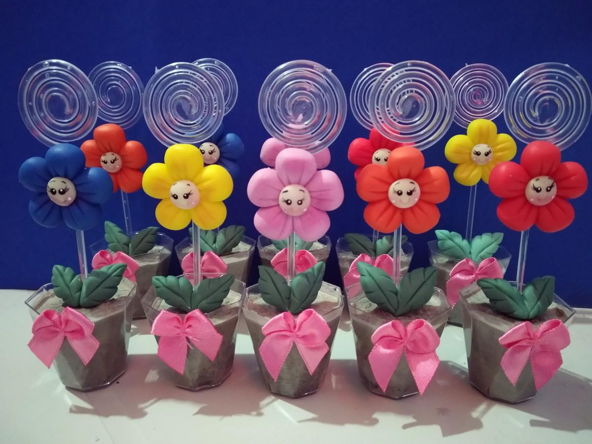 flor de biscuit para lembrancinha